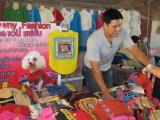 …das sind Kleider für Hund und Katz im Chiang Mai Style. Die armen Tiere müssen in den Tropen sogar Kleider tragen. ;-)