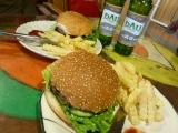 Yummie, yummie! Yakburger