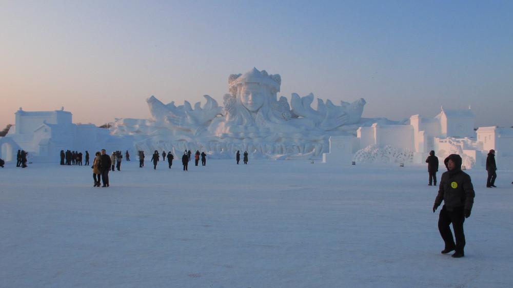 die gigantische Schneeskulptur_IMG_9116