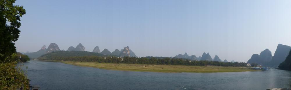 und auch auf dem Li-Fluss ist es ruhig_P1010760