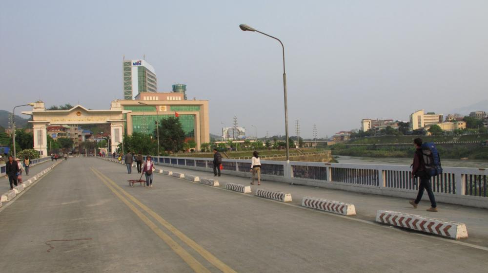 Nadine auf dem Einmarsch nach Vietnam_IMG_1536