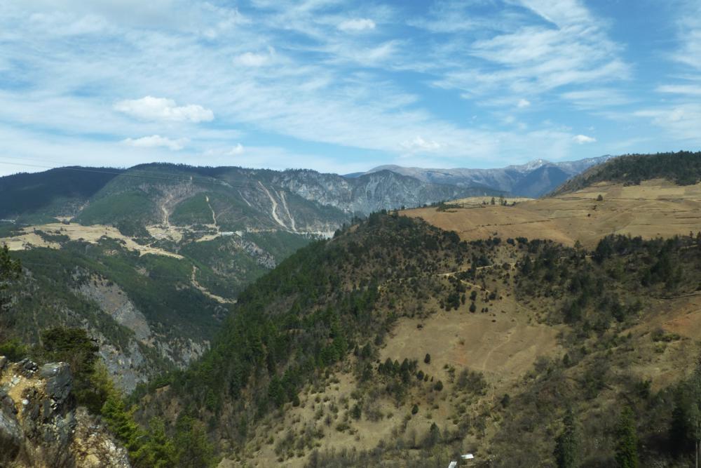 immer höher und höher in die Berge..._P1020252