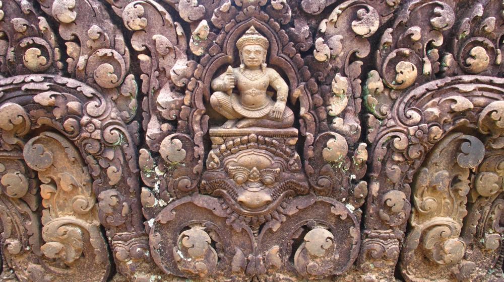 Banteay Srey - Bei genauer Betrachtung findet man überall Götter und Geisterwesen_  IMG_3755