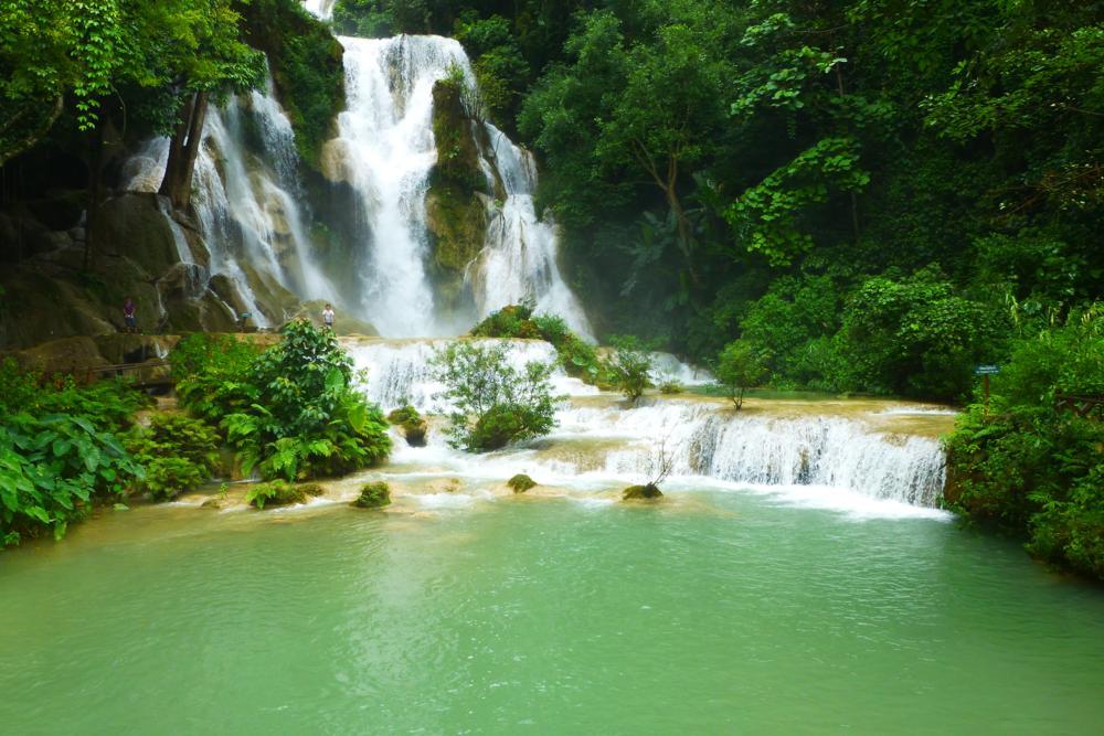 Am idyllischen Kuang Si-Wasserfall_P1050931