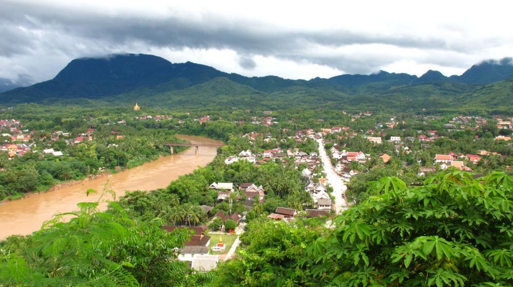 Sanfte Hügelkette umschliesst Luang Prabang_IMG_5552