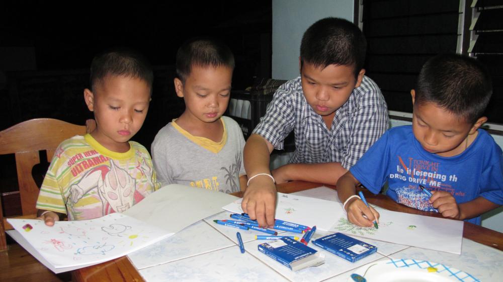 Die Kids am zeichnen_IMG_6177