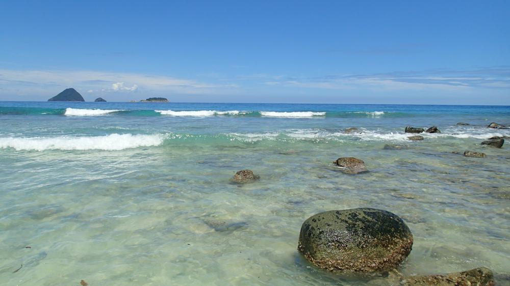 Beim Ausflug an die Turtle-Beach geniessen wir sogar Sommerwetter_PA081627