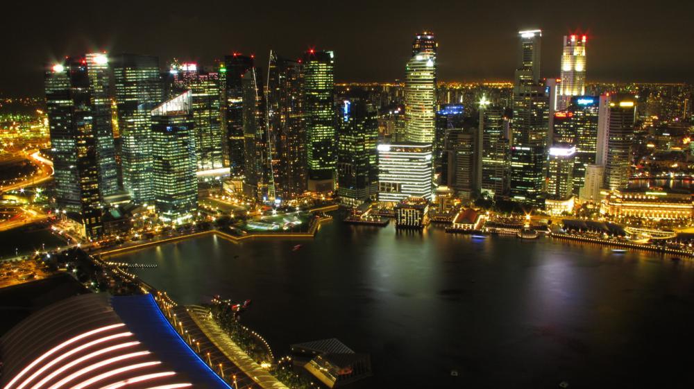 auf die gewaltige Marina Bay by night_IMG_7863